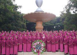 Ketua Bhayangkari Cabang Banda Aceh, Ikuti Kegiatan Tabur Bunga di Pusara Pahlawan