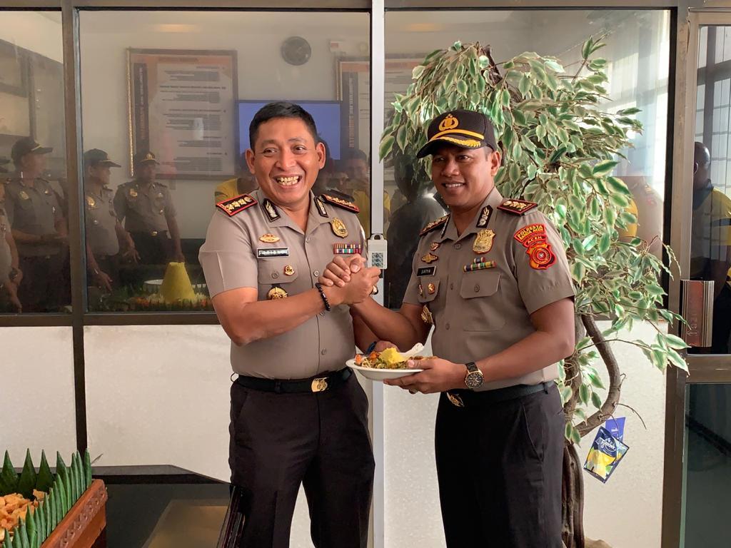 Ulang Tahun Ke-49, Kapolresta Banda Aceh Dapat Kejutan Spesial dari Wakapolresta beserta PJU