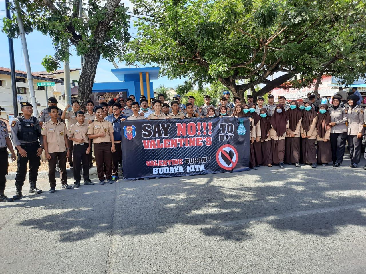 Polisi Berikan Rasa Aman Bagi Siswa Siswi Pengurus Tpca Sma Negeri 3 Banda Aceh Dalam Berunjuk Rasa Polresta Banda Aceh
