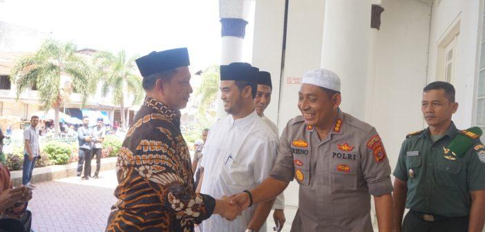 Kapolresta Banda Aceh Sambut Mendagri RI di Mesjid Raya Baiturrahman