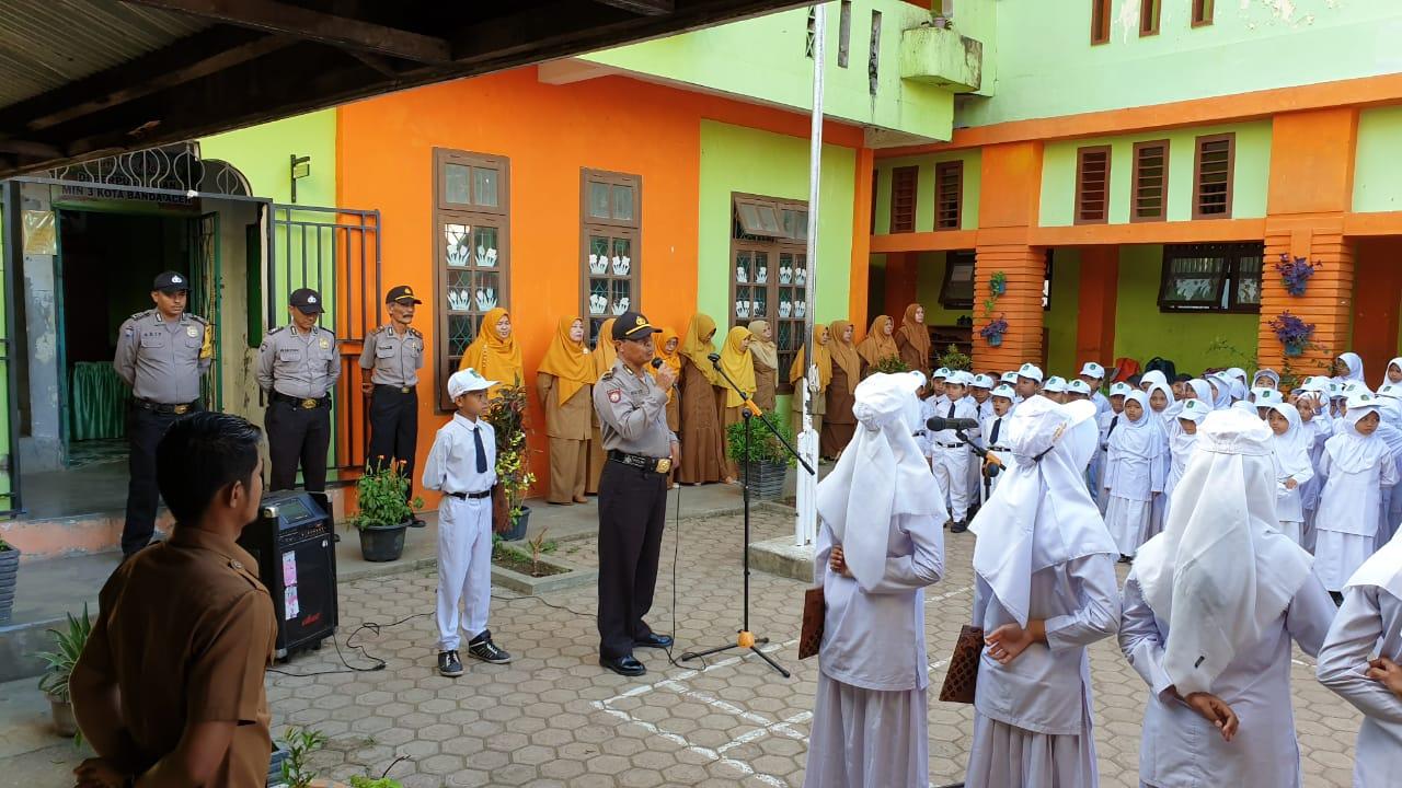Sambung Silaturrahmi Polisi Saweu Sikula Dan Ramah Tamah Di Min 3 Banda Aceh Polresta Banda Aceh