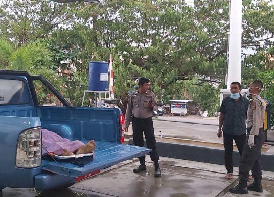 Pria Lansia Ditemukan Bekas Cafe Kongkow Dalam Keadaan Meninggal Dunia, Polisi Dan Instansi Terkait Lakukan Evakuasi