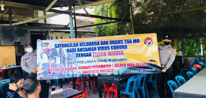 Pemasangan Spanduk Antisipasi Penyebaran Infeksi Virus Corona Serta Himbauan Kapolresta Banda Aceh Tentang Sosialisasi Larangan Mudik