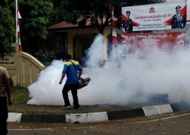 Antisipasi Nyamuk Berbahaya, Polsek dan Aspol di Foging Oleh Tim Kesehatan Bid Dokkes Polda Aceh