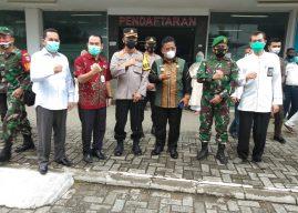 Polisi Kawal Pendistribusian Vaksin Sinovac Asal Tiongkok di Wilkum Polresta Banda Aceh